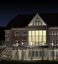 Фасад загородного дома и его освещение