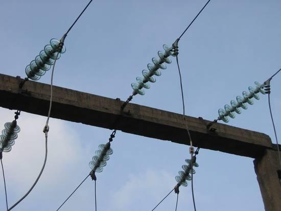 High-voltage_Transmission_Insulators